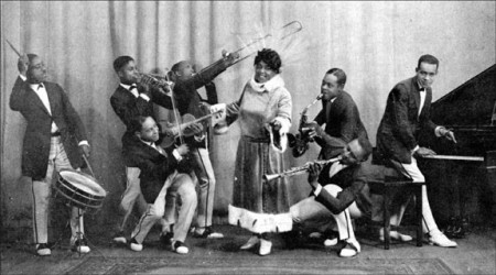Mamie Smith and Her Jazz Hounds